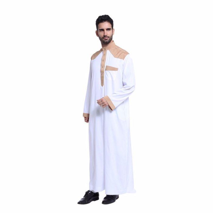 Abaya pour homme blanc avec manches longues et poche.