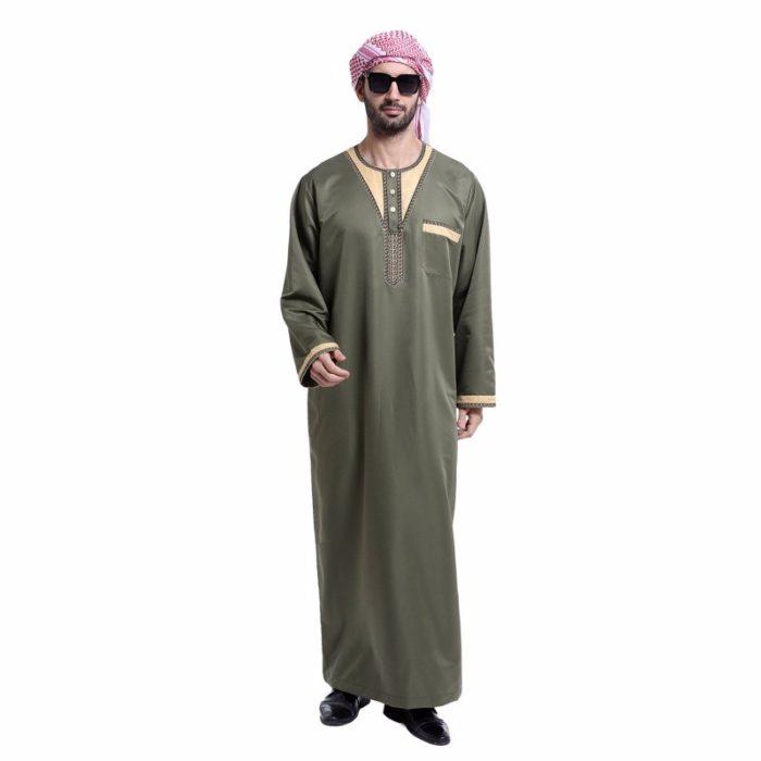Qamis pour homme vert avec manches longues et poche.